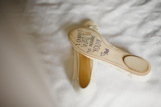 wedding shoes, note