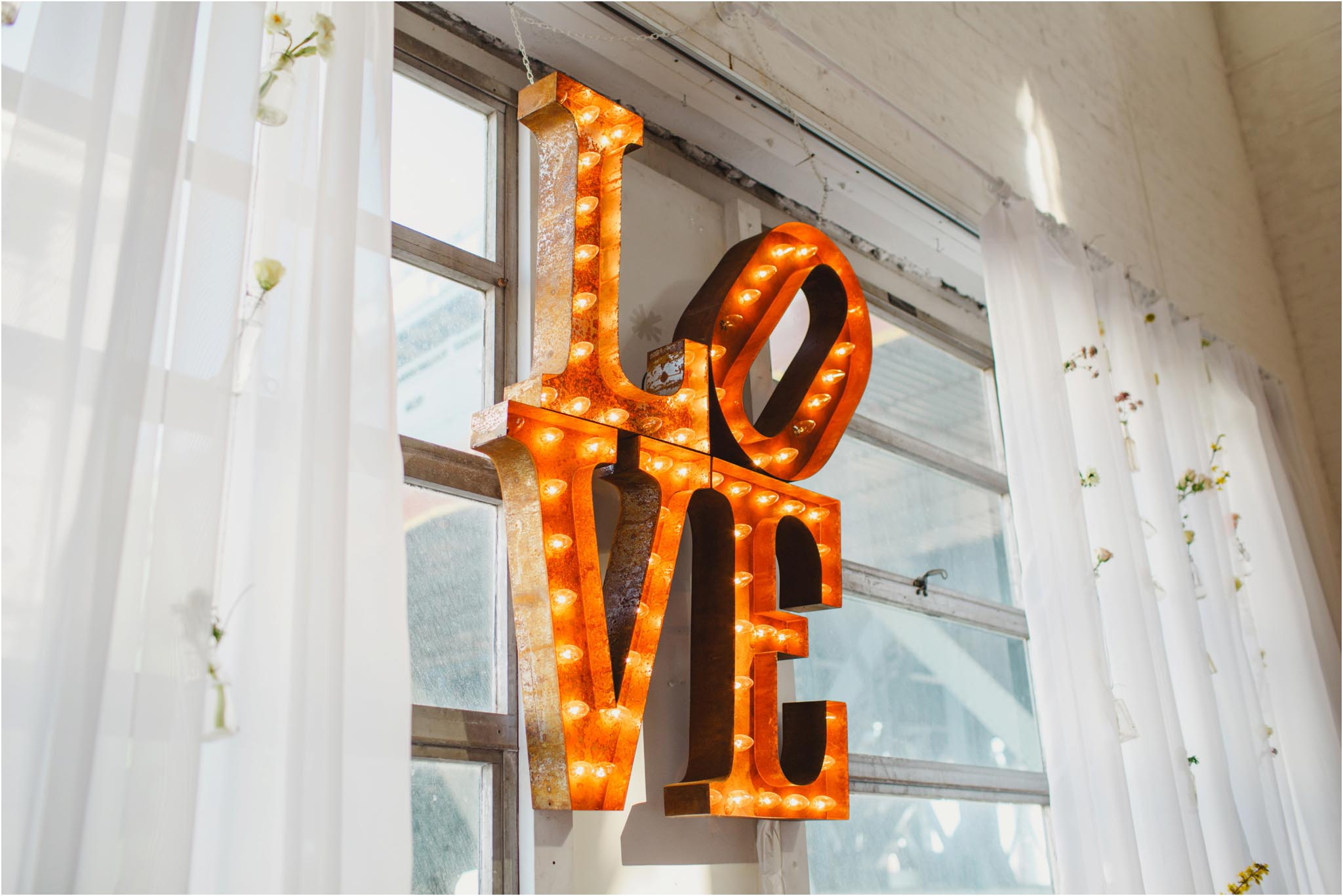 Maggpie Vintage, LOVE, sign
