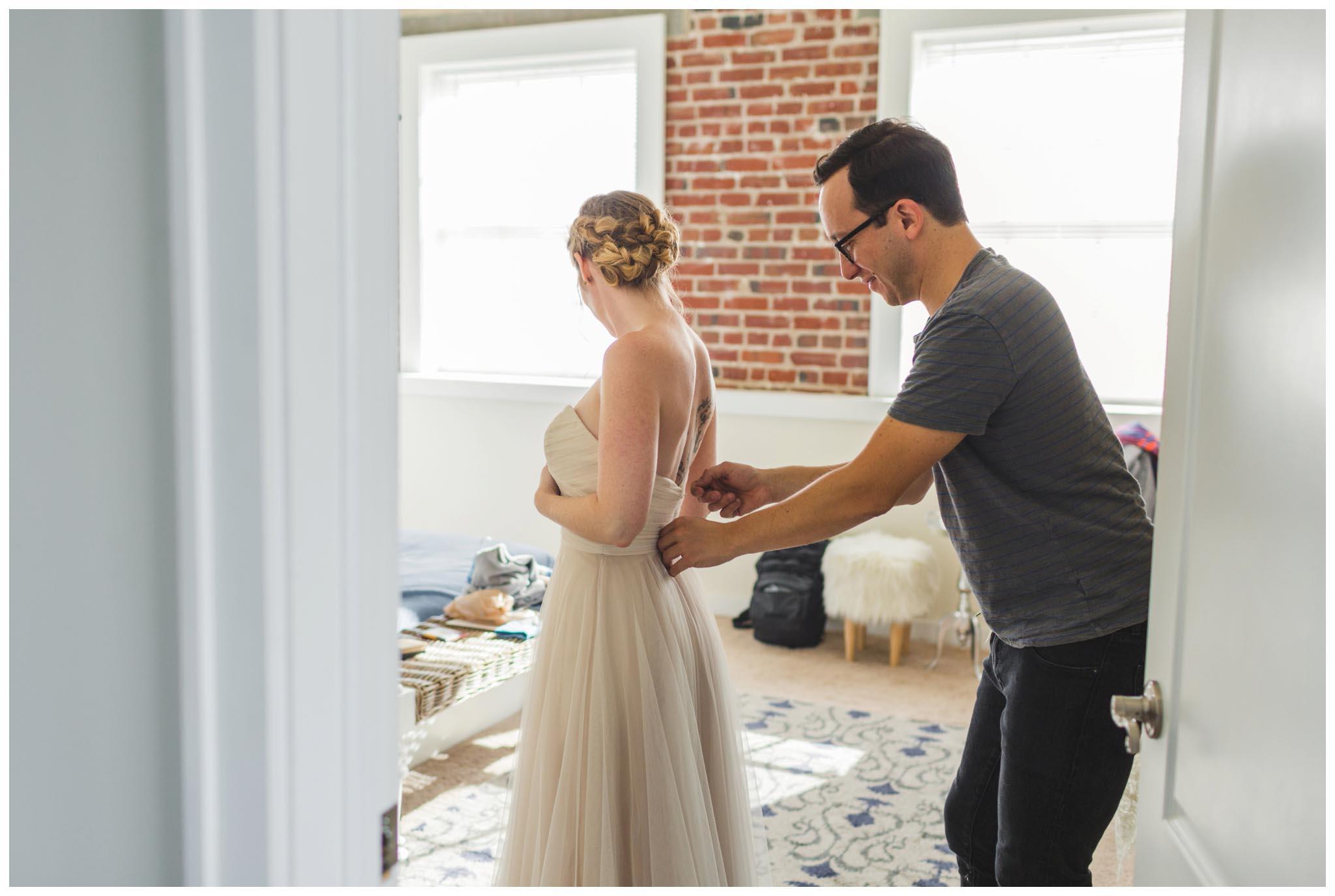 husband, wife, getting ready, wedding