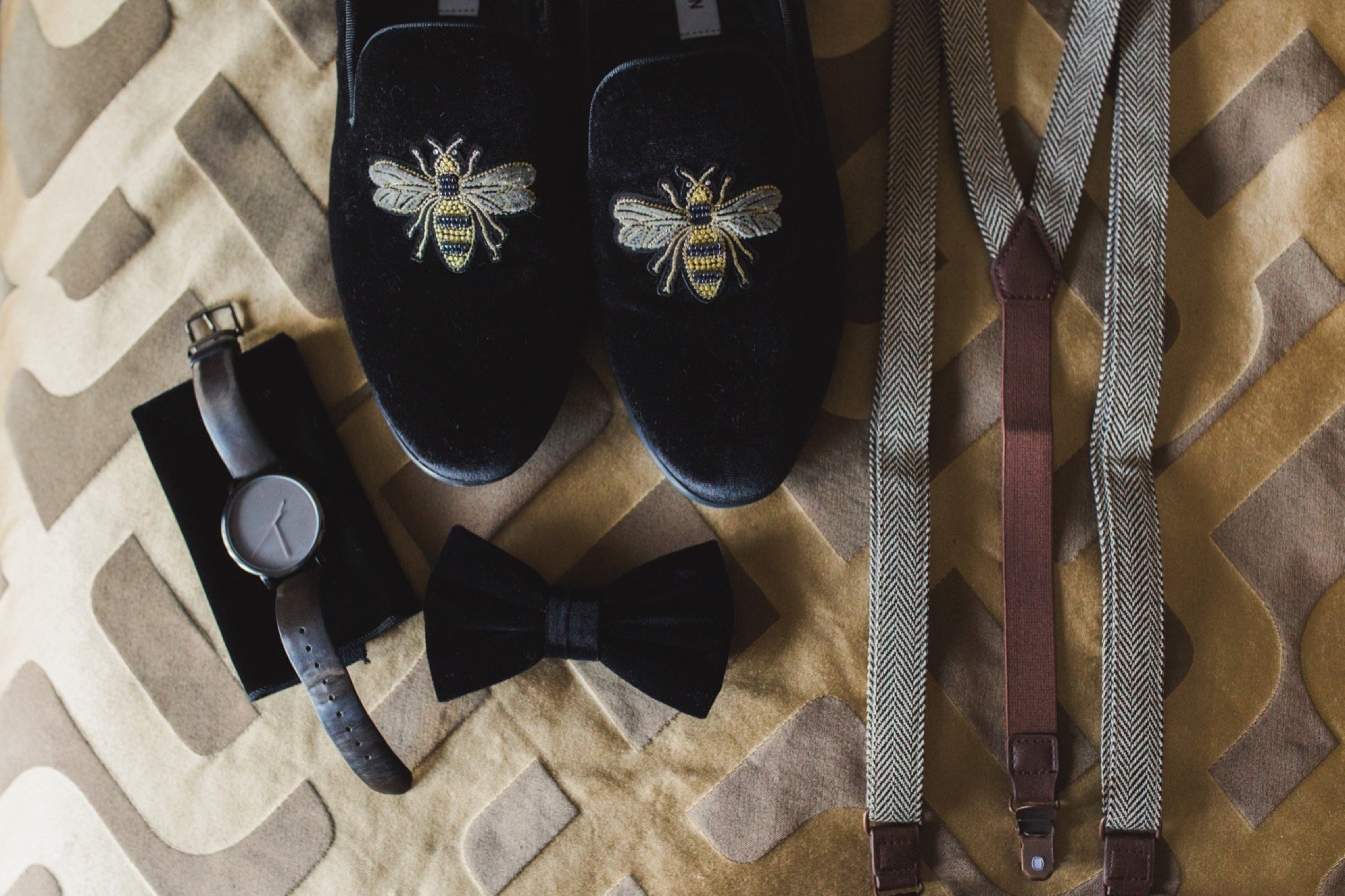bee loafers, groom, details